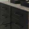 Ekstremalny czarny mat we wnętrzach – Prime Board
